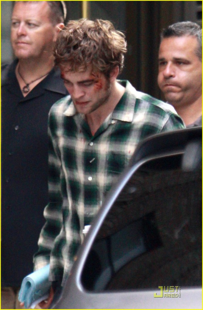 robert-pattinson-bloody-01