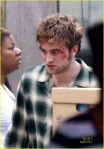 robert-pattinson-bloody-06