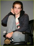 robert-pattinson-apple-store-05