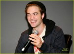 robert-pattinson-apple-store-17