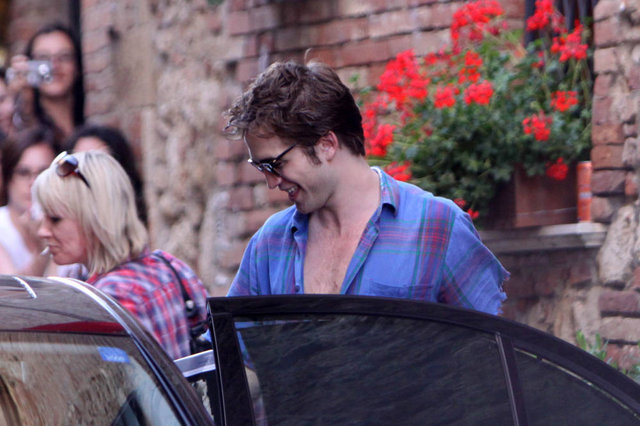 robert-pattinson-new-moon-set-8