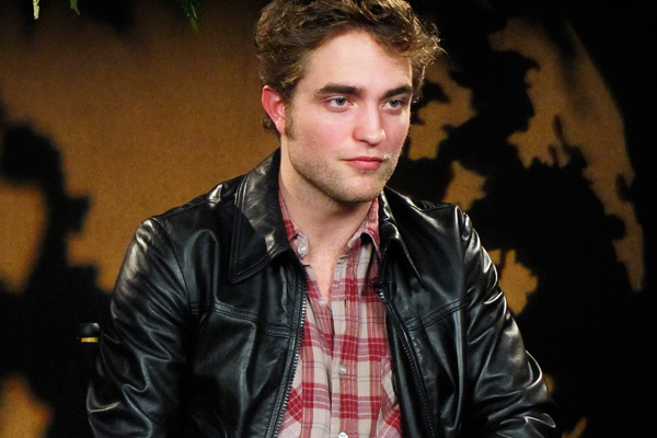 02_robert_pattinson