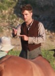"Robert Pattinson Continues Filming ""Water For Elephants"""