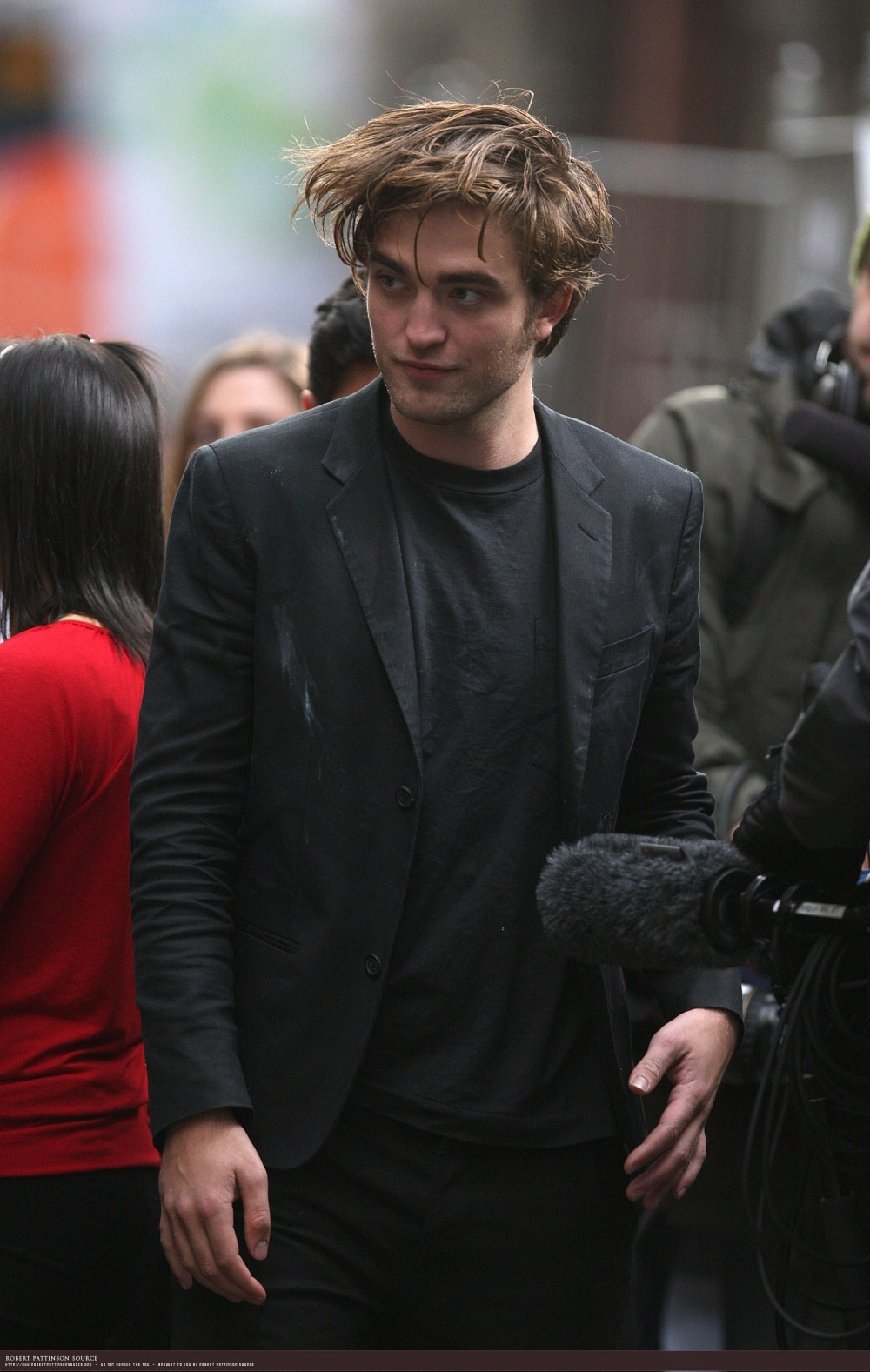 Robert Pattinson and Tyra Banks film scenes on the streets of New York