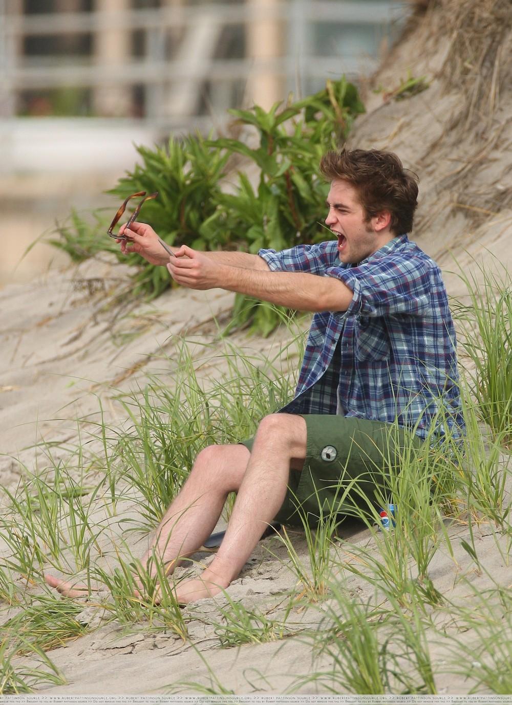 Robert Pattinson seen filming Remember Me in New York
