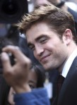 robert-pattinson-water-for-elephants-premiere-04172011-02-430x591