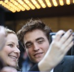 robert-pattinson-water-for-elephants-premiere-04172011-05-430x419