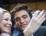 robert-pattinson-water-for-elephants-premiere-04172011-07-430x342