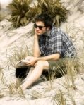 Robert Pattinson kissing Emile de ravin in New York