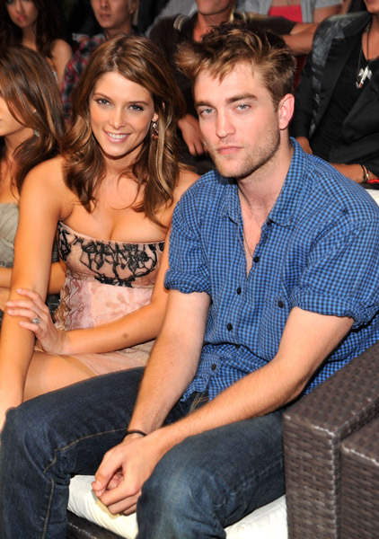 rob-pattinson-and-ashley-Greene-at-the-TCA-2010