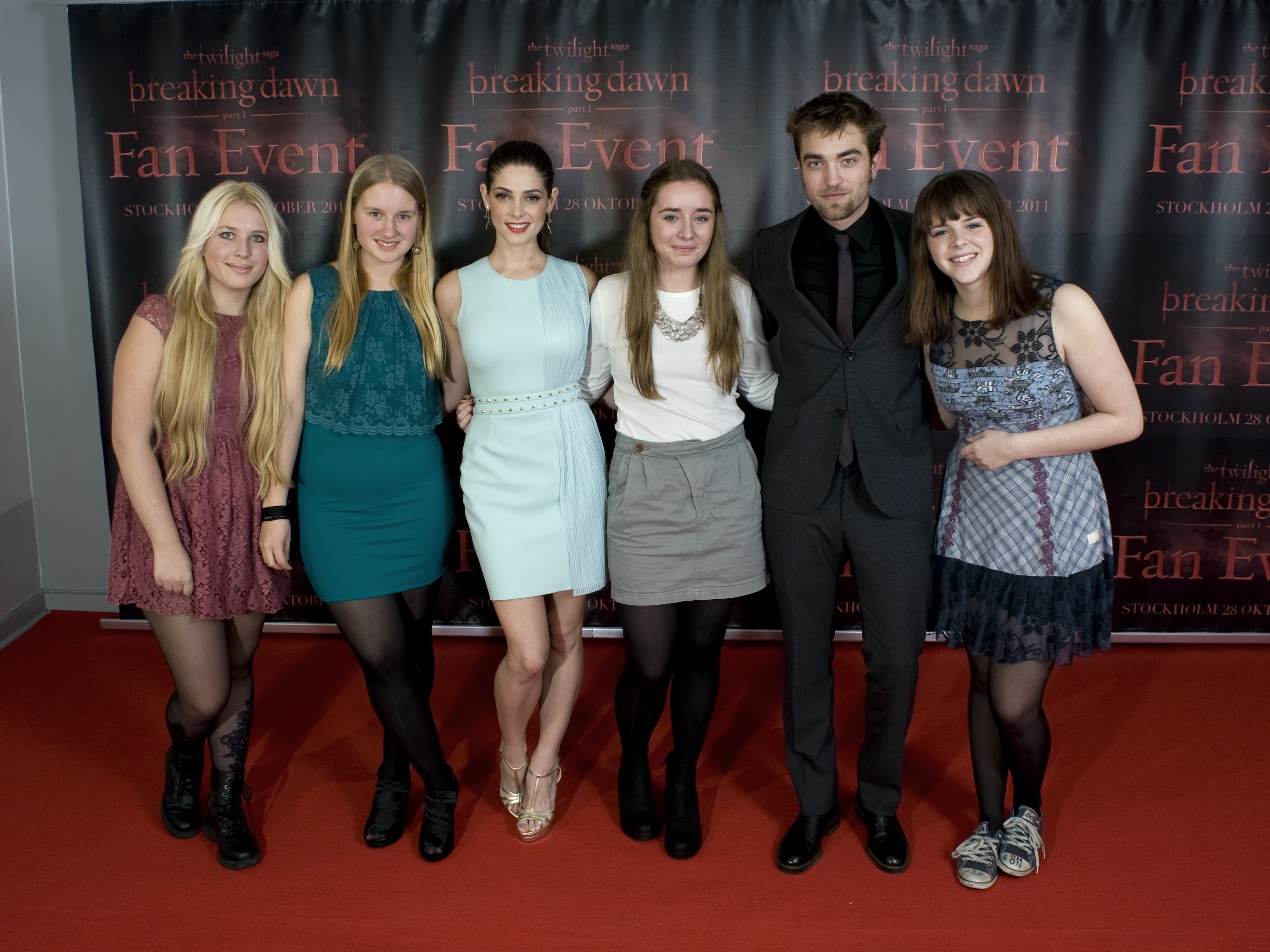 Meet and greet sverige 2 thinking of rob new meet greet pictures of robert pattinson ashley greene in stockholm meet and greet sverige 2 leave a comment m4hsunfo