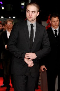 pattinsonlifeberlinredcarpet2012 (1)