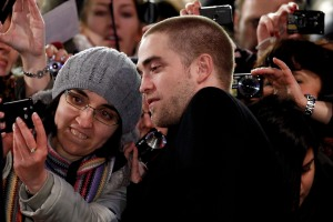 pattinsonlifeberlinredcarpet2012 (9)