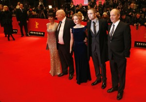 pattinsonliferedcarpetberlin2012 (1)