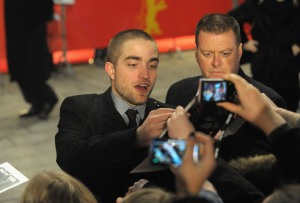 pattinsonliferedcarpetberlin2012 (5)