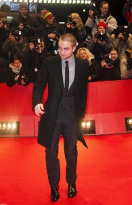 pattinsonliferedcarpetberlin2012 (7)