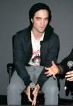 "Robert Pattinson and Catherine Hardwicke Promote ""Twilight"" at the Apple"