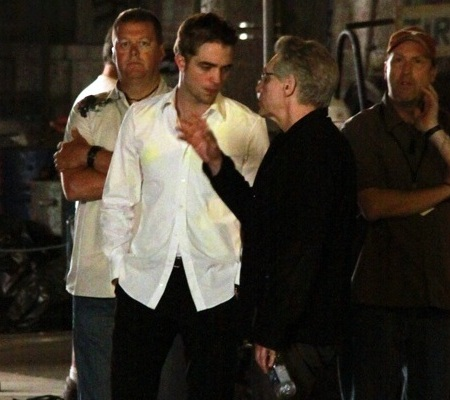 Robert-Pattinson-on-set-of-Cosmopolis-13