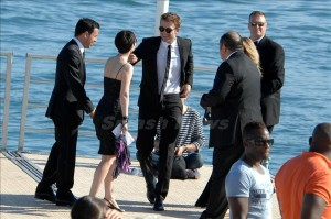 robert Pattinson,arrive in Boat at Premiere on the road
