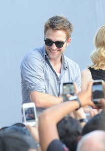 LGJCANNES24052012PATTINSONLIFE (4)