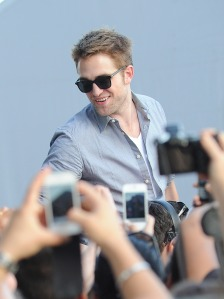 LGJCANNES24052012PATTINSONLIFE (5)