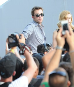 LGJCANNES24052012PATTINSONLIFE (6)