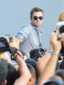 LGJCANNES24052012PATTINSONLIFE (7)