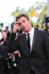pattinsonlife-cannes2012- (31)