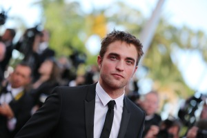 pattinsonlife-cannes2012- (32)