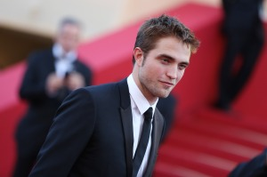 pattinsonlife-cannes2012- (33)