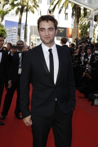 pattinsonlife-cannes2012- (65)