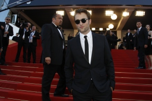 pattinsonlife-cannes2012- (67)