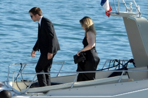 pattinsonlifecannes23052012 (7)