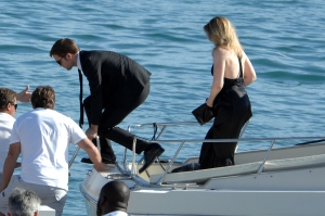 pattinsonlifecannes23052012 (8)