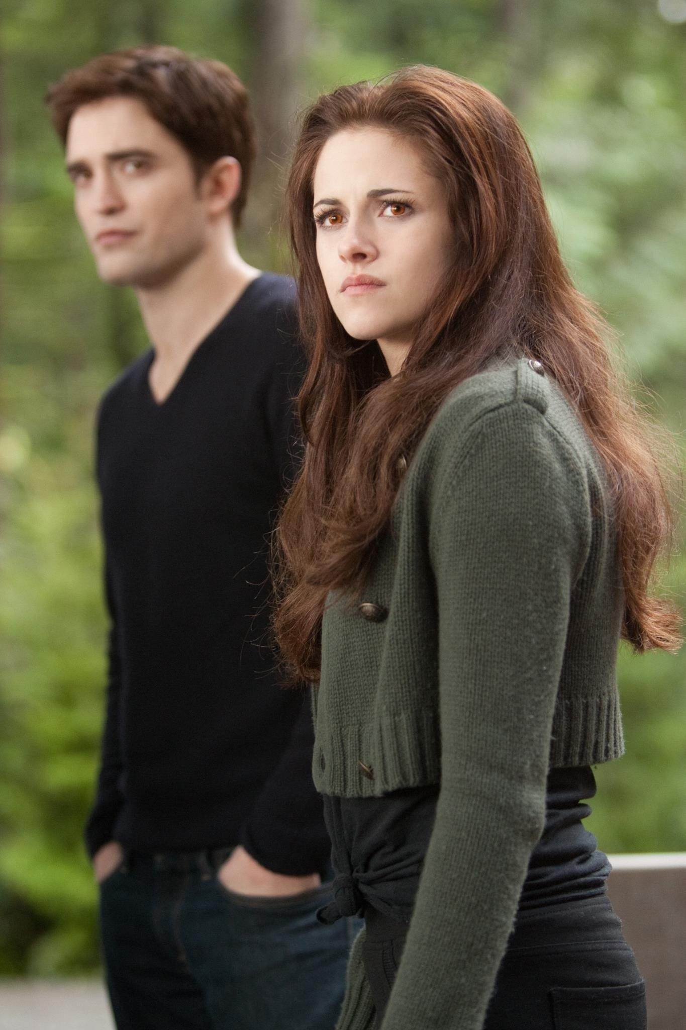 Is bella and edward still dating
