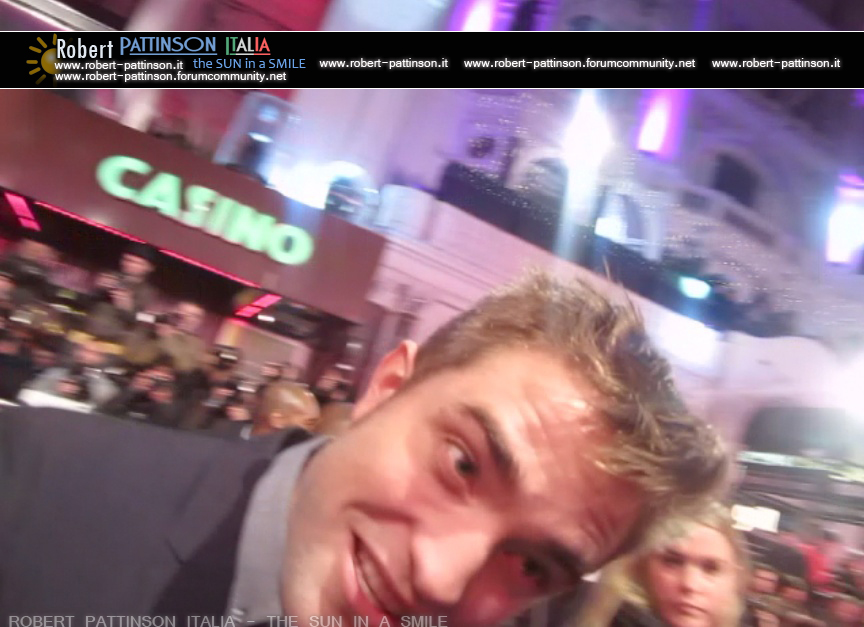 robert pattinson italia the sun in a smile photo london 12