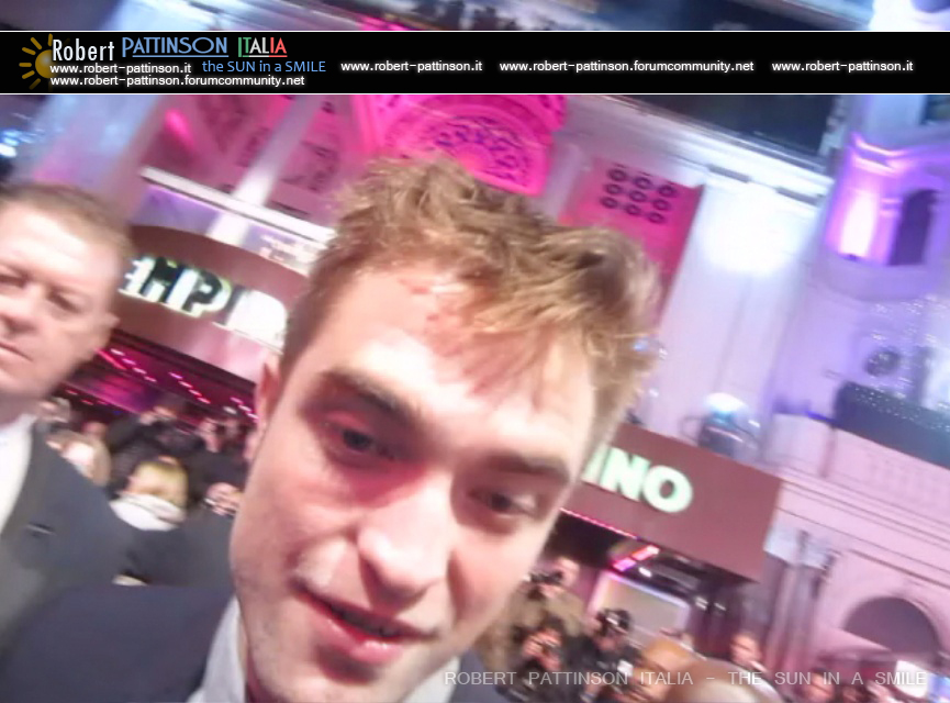 robert pattinson italia the sun in a smile photo london 13