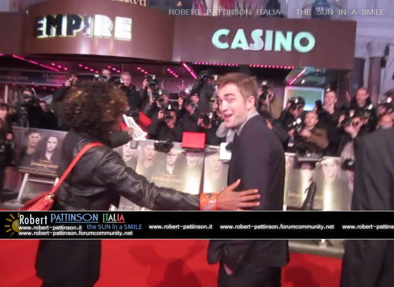 robert pattinson italia the sun in a smile photo london 6