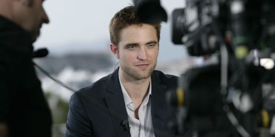 coulissestelepattinson2