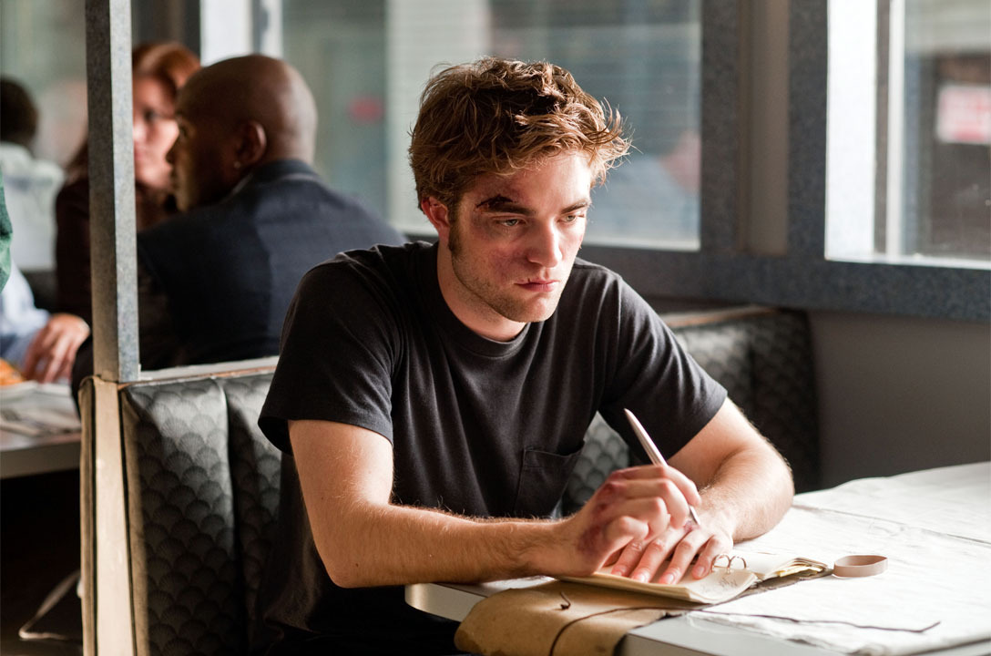How to write to rob pattinson