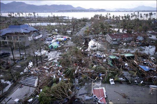 APTOPIX-Philippines-Typhoon-Tacloban