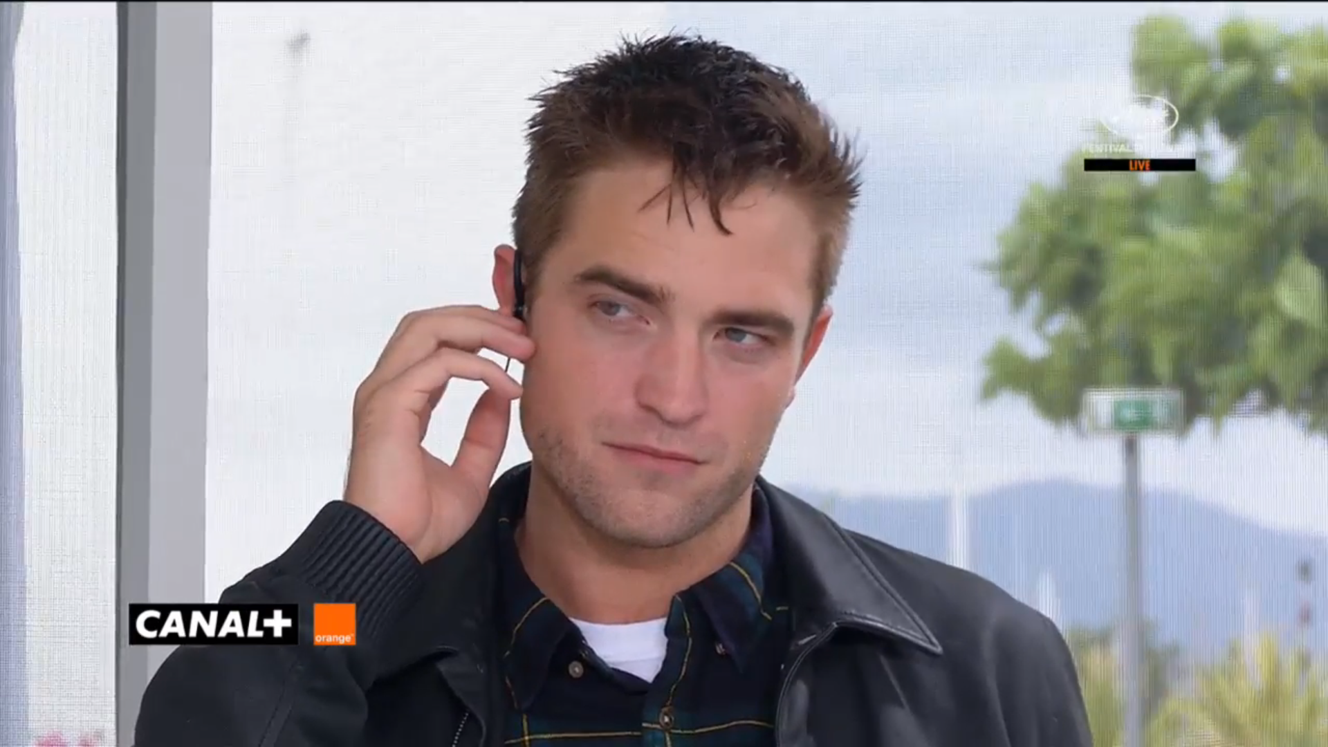 maps to the stars official cannes film festival interview video maps to the stars official cannes film festival interview video screencaps of robert pattinson the cast crew
