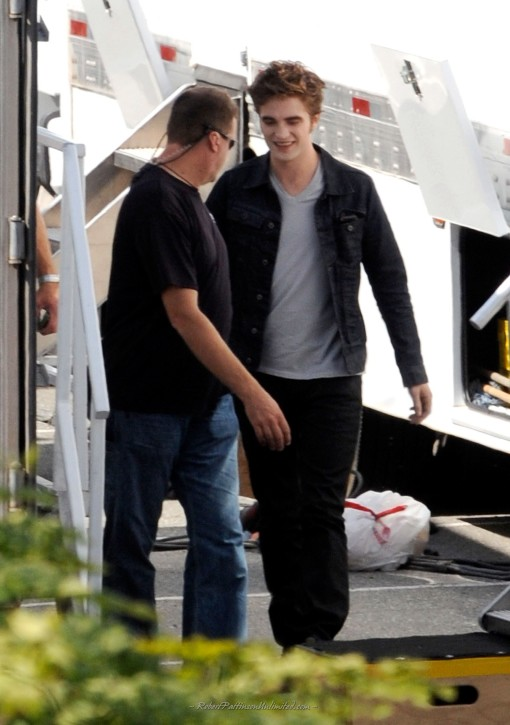 EXCLUSIVE: Robert Pattinson seen as a vampire for the first time filming 'Twilight Eclipse'