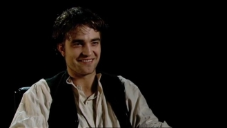 Robert Pattinson on Georges Duroy.mp4_20151026_083055.750