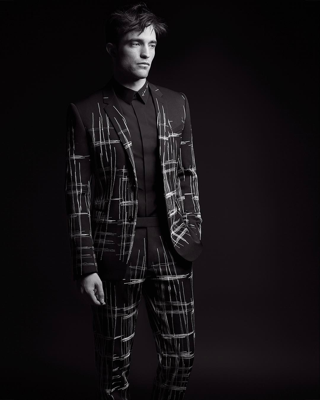 New photos of Robert Pattinson for Dior Homme Fall ...